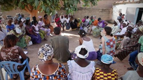 Réunion avec les femmes d'APEPF